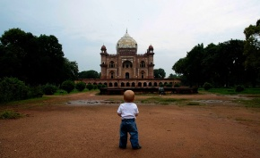 Safdarjung's Tomb: The Baby Wrangling Edition